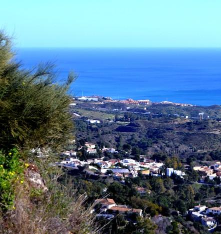 Utsikt över dalen mot havet
