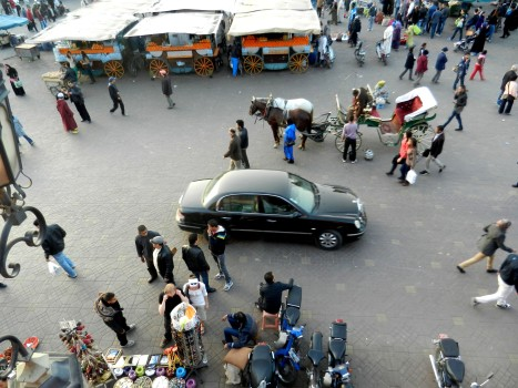 En Mercedes mitt i allltihopa