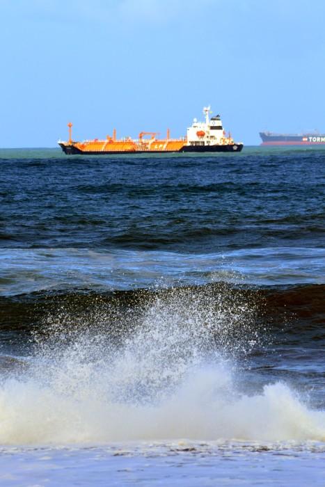 Flera båtar på redden