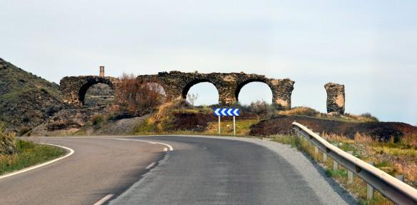 Ruiner efter vägen
