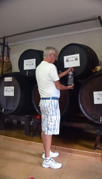 Maken fyller vin