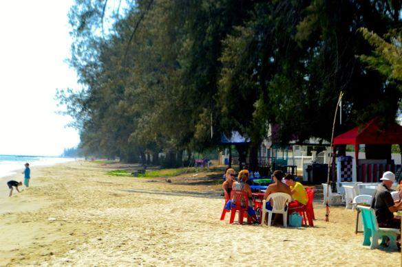 Matbord på stranden