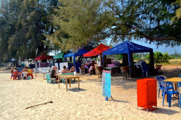 Matbord på stranden2