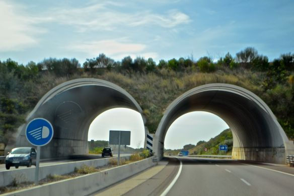 Två tunnlar