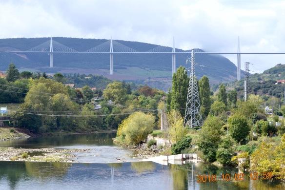 Millau bron